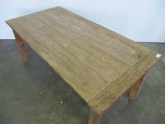 Teakhouten tafel in een rustieke stijl. Deze teakhouten tafel is bij Teakpaleis in verschillende maten verkrijgbaar. Onze stoelen passen er ook goed bij.