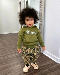 𝐒í𝐞𝐧𝐚 𝐏𝐫𝐞𝐬𝐥𝐞𝐲 𝐒𝗺𝐢𝐭𝐡 (@sienapresley) • Instagram photos and videos Presley Smith, Siena, Onesies, Capri Pants, Hipster, Photo And Video, Kids, Clothes, Style
