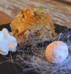 Tosca de la Mota   Recetas sencillas para todos los días - Baklava de nueces y pistachos con espuma de yogur griego