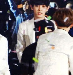 When Bobby bumps into Sehun. Oh so cute! Both of them :)