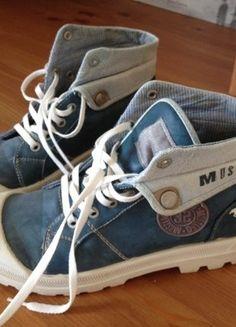 À vendre sur #vintedfrance ! http://www.vinted.fr/chaussures-femmes/baskets/31992206-baskets-montantes-mustang-bleues-taille-38