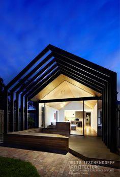 Extrusion House by Delia Teschendorff Architecture | Home Renovation and Extension | Contemporary House Design | Innovative Design | Sculptural Portal Frame | Liveable House | Tranquil Space