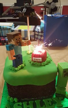 """Steve, ender Dragon, creeper block. """"Real"""" tnt! Minecraft Cake, Fall Crafts For Kids, Creeper, Homemade Cakes, How To Make Cake, Dragon, Desserts, Food, Autumn Crafts Kids"""