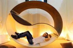 Creative Yin Yang bunk bed created by Italian designer Alessio Pappa.