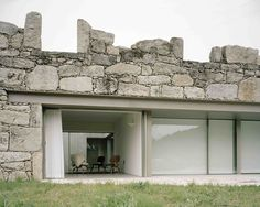 House in Melgaço by Brandao Costa Arquitectos An extension to a small rural stone building, with additions of a lounge and three bedrooms, constructed of local materials. Stone Facade, Stone Masonry, Architecture Renovation, Architecture Design, Facade Design, House Design, Interior Staircase, Stone Houses, Contemporary Architecture