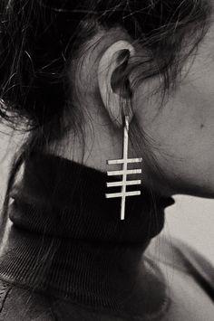 Miss Moss - Coyote Negro Series - Silver Earring. Jewelry Box, Jewelry Accessories, Fashion Accessories, Jewelry Design, Jewelry Ideas, Jewlery, Resin Jewelry, Cross Earrings, Silver Earrings