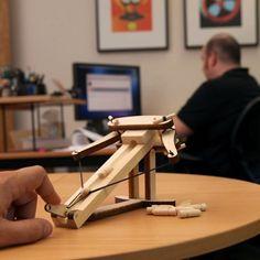 Ballista Kit – A catapult for your desk