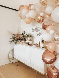 13th Birthday Parties, Gold Birthday, Girl First Birthday, Baby Birthday, Birthday Ideas, Birthday Balloon Decorations, 30 Birthday Balloons, Gold Party Decorations, Rose Gold Balloons