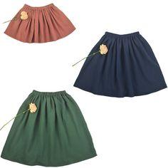 Sewing For Kids Clothes Skirt alert - een gratis rokjespatroon - Bel'Etoile Girls Skirt Patterns, Sewing Patterns For Kids, Sewing For Kids, Skirt Fashion, Fashion Outfits, Baby Skirt, Skirts For Kids, Diy For Girls, Sewing Clothes