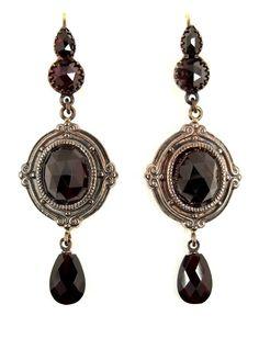 -Vintage garnet earrings w/14ct gold wires.