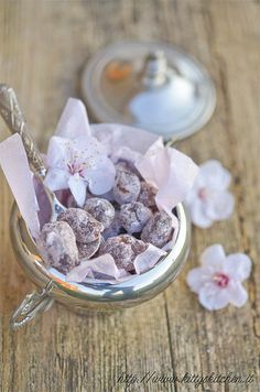 Italian recipes... Mandorle al cioccolato