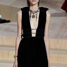 Black velvet dress #LBD details  #Valentino #MirabiliaRomae Fall Winter 2015 #HauteCouture #PFW #FW15