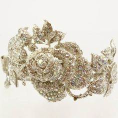Still searching for a perfect wedding bracelet, this is gorgeous!