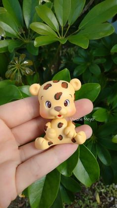 viviane meyer biscuit Polymer Clay Animals, Cute Polymer Clay, Cute Clay, Diy Clay, Clay Crafts, Arts And Crafts, Fondant Figures, Clay Figures, Crea Fimo