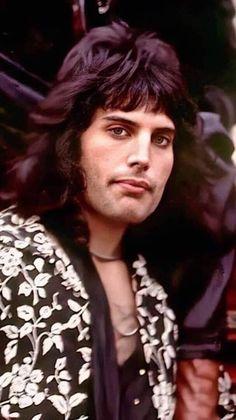 'Love me slow.and gently. Tatouage Freddie Mercury, Freddie Mercury Tattoo, Freddie Mercury Quotes, Queen Photos, Queen Pictures, Freddie Mercury Young, Freddie Mecury, Queen Brian May, King Of Queens