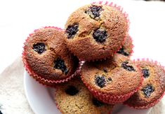jednoduchy recept na muffiny Healthy Sweets, Cupcakes, Breakfast, Desserts, Gardening, Fitness, Biscuits, Morning Coffee, Tailgate Desserts