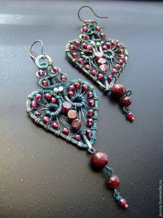 Copper wire wrapped earrings / Купить Серьги медные СЕРДЦЕ ДРАКОНА - бордовый, серьги, подарок, украшение, гранат, медные украшения