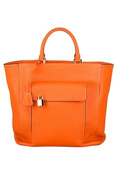 Carolina Herrera tote bag #beach tote is a great bag to carry around hot summer books. What would you carry in it?