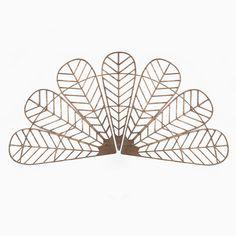 €149,95  #decoracion #madera #decoracionmadera #interiorismo #salon #casa #decorar #pared #diseño #art #habitaición #cama #natural #maderanatural #nature  Con nuestros Mabuis puedes decorar tu salón, habitación o salas más íntimas. Están fabricado artesanalmente en madera natural, revestido sobre fresno y acabado en un tono nogal. Decoración perfecta para tu casa. Montage, Floral Arrangements, Decorative Bowls, It Is Finished, Cool Stuff, Wood, Handmade, Inspiration, Design