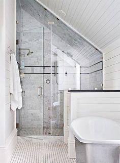Slaapkamer Ideeen Schuine Wand : Tips: schuine wanden in huis – Stripesandwalls.nl