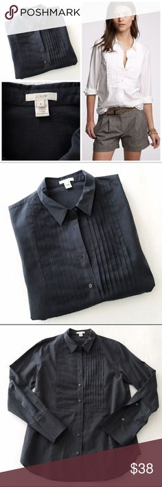 j.crew cotton tuxedo shirt navy Dress it up or dress it down, it's a classic. Freshly dry cleaned, no flaws to note, very gently worn condition. Color is navy J. Crew Tops Button Down Shirts
