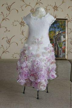 """Валяное платье для девочки """"Утренняя роза"""" - розовый,цветочный,платье для девочки"""