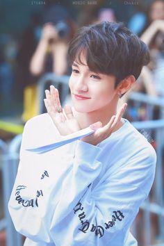 Pls become my oppa Korean Celebrities, Korean Actors, Guy Pictures, My Photos, Seventeen Samuel, Samuel Samuel, Cartoon Girl Images, Lee Hyun, Kdrama Actors