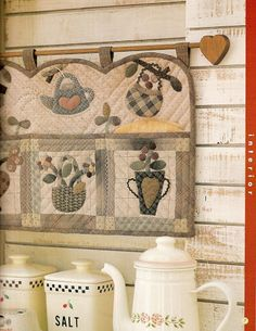 Sweet Country Quilting - xobsgab - Picasa Web Albums Applique Patterns, Applique Quilts, Quilt Patterns, Quilting Projects, Sewing Projects, Japanese Patchwork, Country Quilts, Basket Quilt, Book Quilt