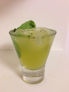 Gin Basil Smash - 2 oz. gin, ¾ oz. fresh lemon juice, ¾ oz. syrup,  2-3 sprigs fresh basil. Muddle, shake, strain on ice. Eval: ★★★★★