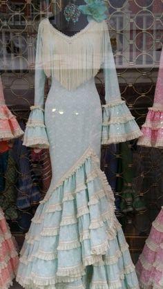 Traje de flamenca Baby Dress, Dress Up, Spanish Dress, Eid Dresses, Latest Fashion Dresses, Designer Gowns, Clothing Patterns, Blouse Designs, African Fashion