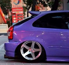 Ek hatch slammed on some nice wheels