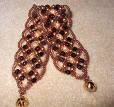 Maroon Bracelet beaded by Debora