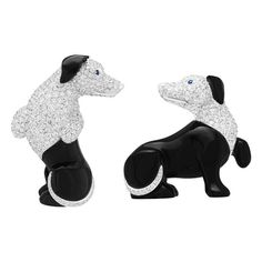 These Van Cleef & Arpels L'Arche de Noé dachshund brooches, set with onyx and white diamonds, are best worn together (POA). Dog Jewelry, Jewelry For Her, Animal Jewelry, Van Cleef And Arpels Jewelry, Van Cleef Arpels, Bijoux Art Nouveau, Luxury Jewelry, Vans, White Diamonds
