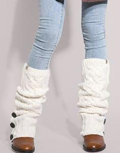 Crochet Boot Cuffs, Crochet Leg Warmers, Crochet Boots, Diy Crochet, Crochet Style, Crochet Slippers, Mode Choc, Do It Yourself Fashion, Old Sweater