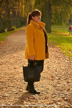 Hülle & Fülle Plus Size Fashion Blog: Classic & Simple GERRY WEBER Yellow Coat, Fall Outfit, OOTD, Plus Size Outfit, Blogger