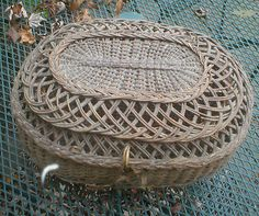 Antique sewing basket...I love this!