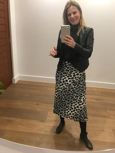 Out all day galavanting in the City so I'm wearing my rain ☔️ boots. Lucky I fit into target 🎯 kids sizes (size 6 These are sparkly matching my polar neck top. Love the rain 🌧 and the chance to still wear layers.