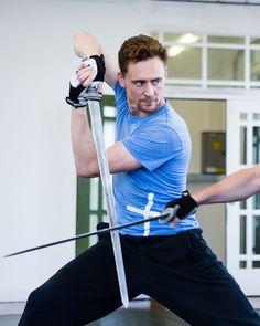 National Theatre, Tom Hiddleston, Beautiful Men, Toms, Movies, September 2013, Sword, Warehouse, Hearts