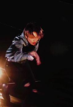 gaypeople: pied piper ☆ muster in japan : Jungkook Fanart, Bts Jungkook, Taehyung, Walking Gif, Fan Army, Jeongguk Jeon, Bts Video, Worldwide Handsome, Boyfriend Material
