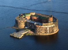 The city of Saint Petersburg at the head of the Gulf of Finland on the Baltic Sea, was once protected by a string of forts across the gulf. Most of these forts were constructed in and around the is…