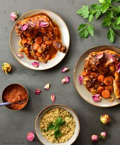 Chicken thighs with harissa, rose water sauce and lemon couscous Seafood Recipes, Chicken Recipes, Rose Harissa, Harissa Chicken, Ottolenghi, Vegetarian Dinners, Delicious Dinner Recipes, Rose Water, Chicken Thighs