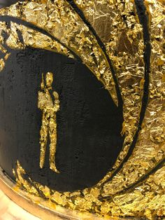 mit essbarem Blattgold! James Bond Cake, Catering, Pink, Cooking School, Gold Leaf, Things To Do, Catering Business, Gastronomia