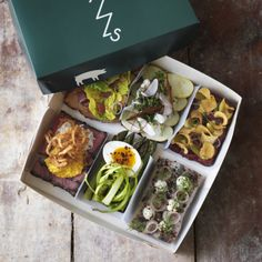 If you're in Copenhagen this coming week, you have the chance to get your Danish smørrebrød technique sharpened.<br />