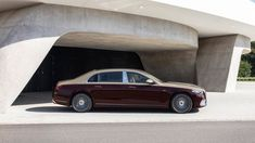 2022 Mercedes-Maybach S 680 keeps its V12 and adds opulence | Autoblog Mercedes Maybach, Two Tone Paint, Big Wheel, Twin Turbo, Ads, Luxury, Ferris Wheel