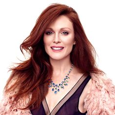 Julianne Moore Hair Color Formula And Haircut Photos is available for feamle who wants to adopt unique hair color highligh and lowlight apply procedure. Julianne Moore, Zooey Deschanel, Cabello Zayn Malik, Hair Color Formulas, Instyle Magazine, Dye My Hair, Girls Wear, Beautiful Actresses, Red Hair