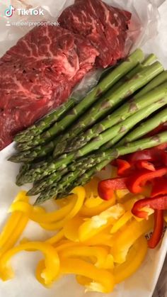 Veggies wrapped in steak on Tiktok Keto Crockpot Recipes, Healthy Eating Recipes, Lunch Recipes, Low Carb Recipes, Cooking Recipes, Healthy Eats, Cooking Tips, Vegetarian Recipes, Easy Meal Prep Lunches
