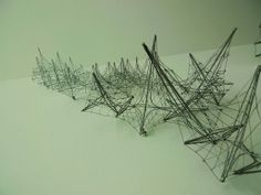 Wire models, Glen Small. Image courtesy of Orhan Ayyüce.