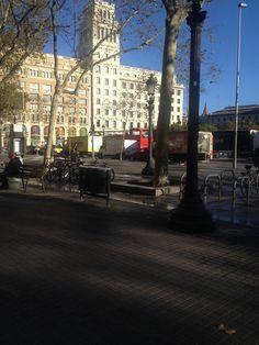 Increible, 6 de novembre i amb màniga curta a les 9h per plaça Catalunya...