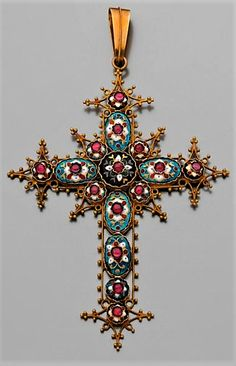 Religious Jewelry, Religious Art, Antique Jewelry, Vintage Jewelry, Divine Grace, Old Wagons, Christian Symbols, Holy Cross, Medieval Fashion