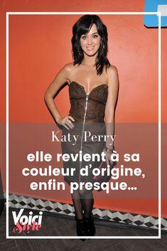 Katy Perry serait-elle (vraiment) revenue à sa couleur d'origine ? Découvrez-le vite sur Voici.fr ! Kylie Jenner, Inspiration Mode, Katy Perry, Voici, Strapless Dress, Movies, Dresses, Brown Hair, New Hairstyles